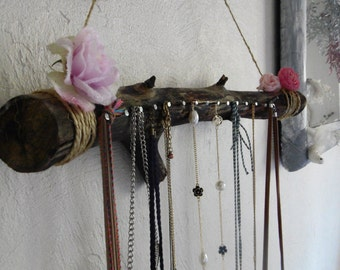 Hanging wooden jewelry