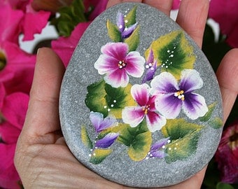 Nº53- painted pebble, hand painted stone, painted rock, painted stone, painted pebbles, piedras pintadas,