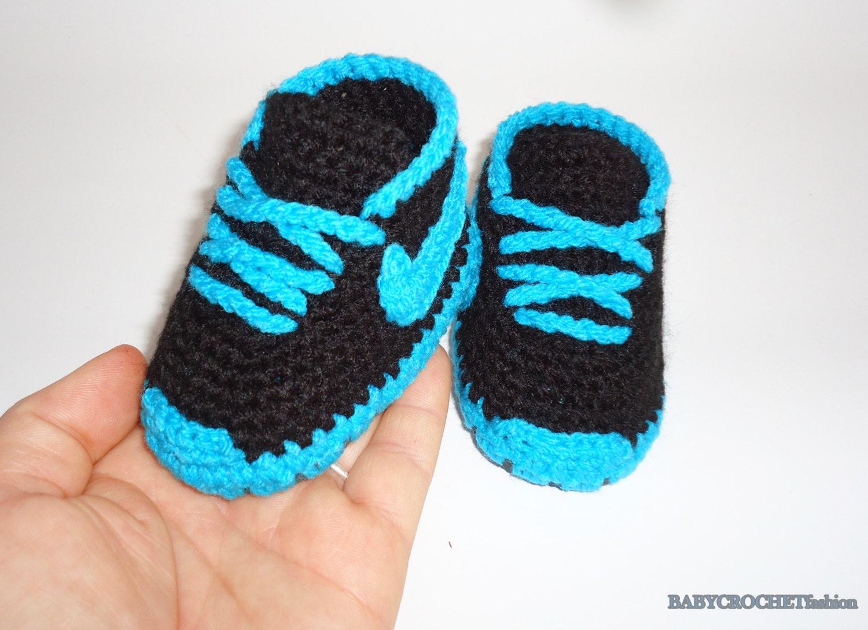 Crochet Patterns For Children s Shoes : Crochet baby shoes Baby Sneakers Nike baby shoes Crochet