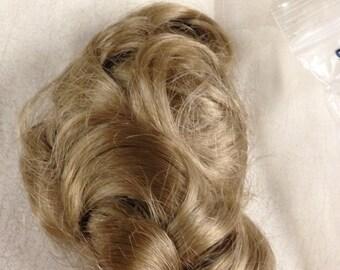 Darnel DOLL WIG Honey Blonde. Size 10.  Vintage NOS
