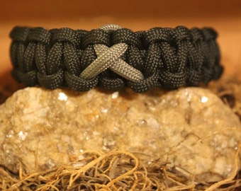 Brain Cancer Awareness 550 Paracord Bracelet - Black with Grey BCA Ribbon