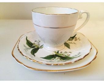 Vintage tea cup candle trio