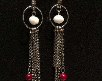 Earrings white, red and rhodium chain