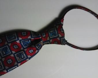 179.  ZIP-tie Necktie
