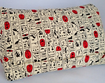 Tablet cushion (hieroglyphics)