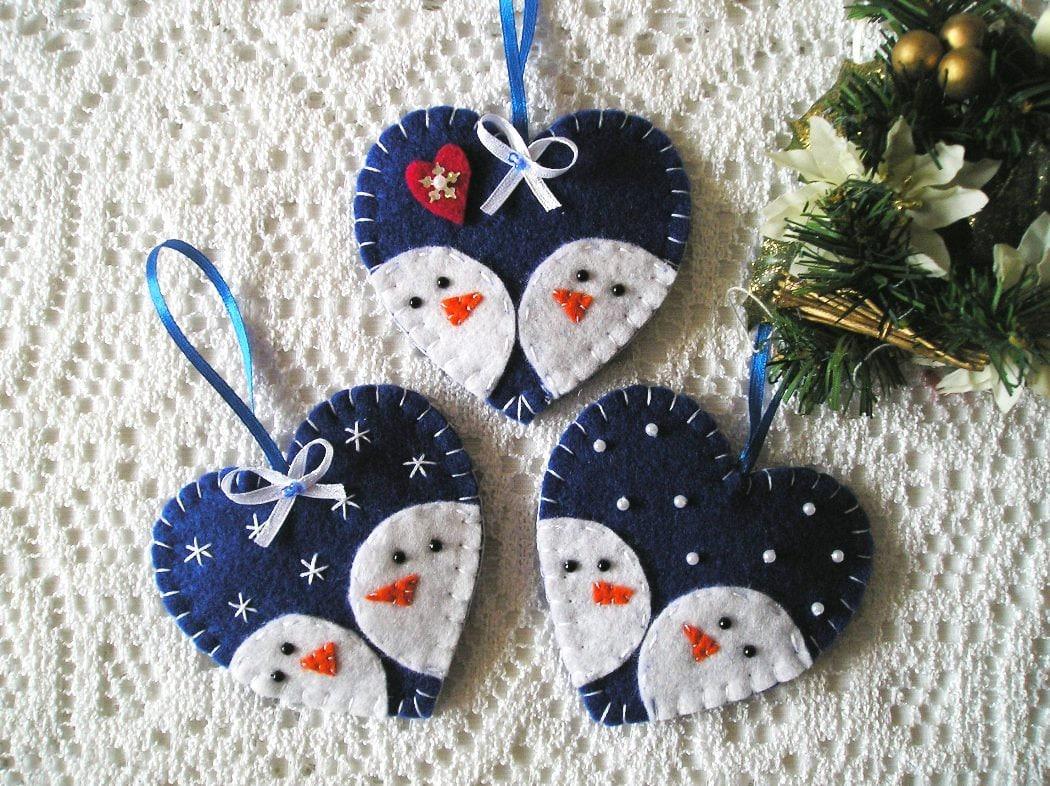 Felt christmas ornaments snowman set of 3 tree ornaments with for Christmas snowman decorations