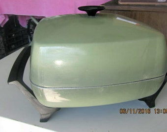 West Bend vintage electric fryer fry pan avocado green square table top teflon with lid
