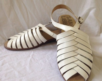1990's Sam and Libby white leather fisherman sandals size 8 1/2