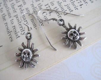 Sterling Silver Dangle Earrings, Vintage Sterling Silver Sun Faces Earrings, Vintage Silver Earrings, Small Earrings