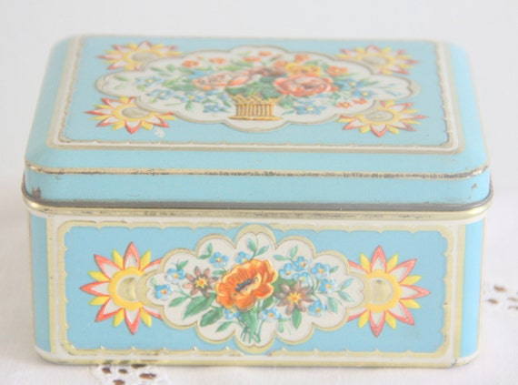 Lovely Vintage Textured Tin Box, Flower Pattern, Made in Holland