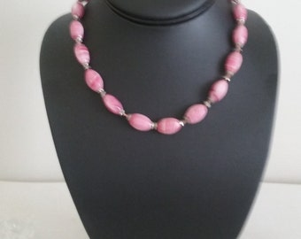 Pink Swirl Glass Beaded Mid Century Necklace//Vintage Necklace//Pink Necklace