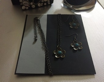 Flower Necklace and Earring Set - gunmetal silver finish