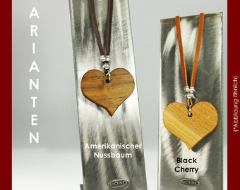 Necklace heart made of fine woods