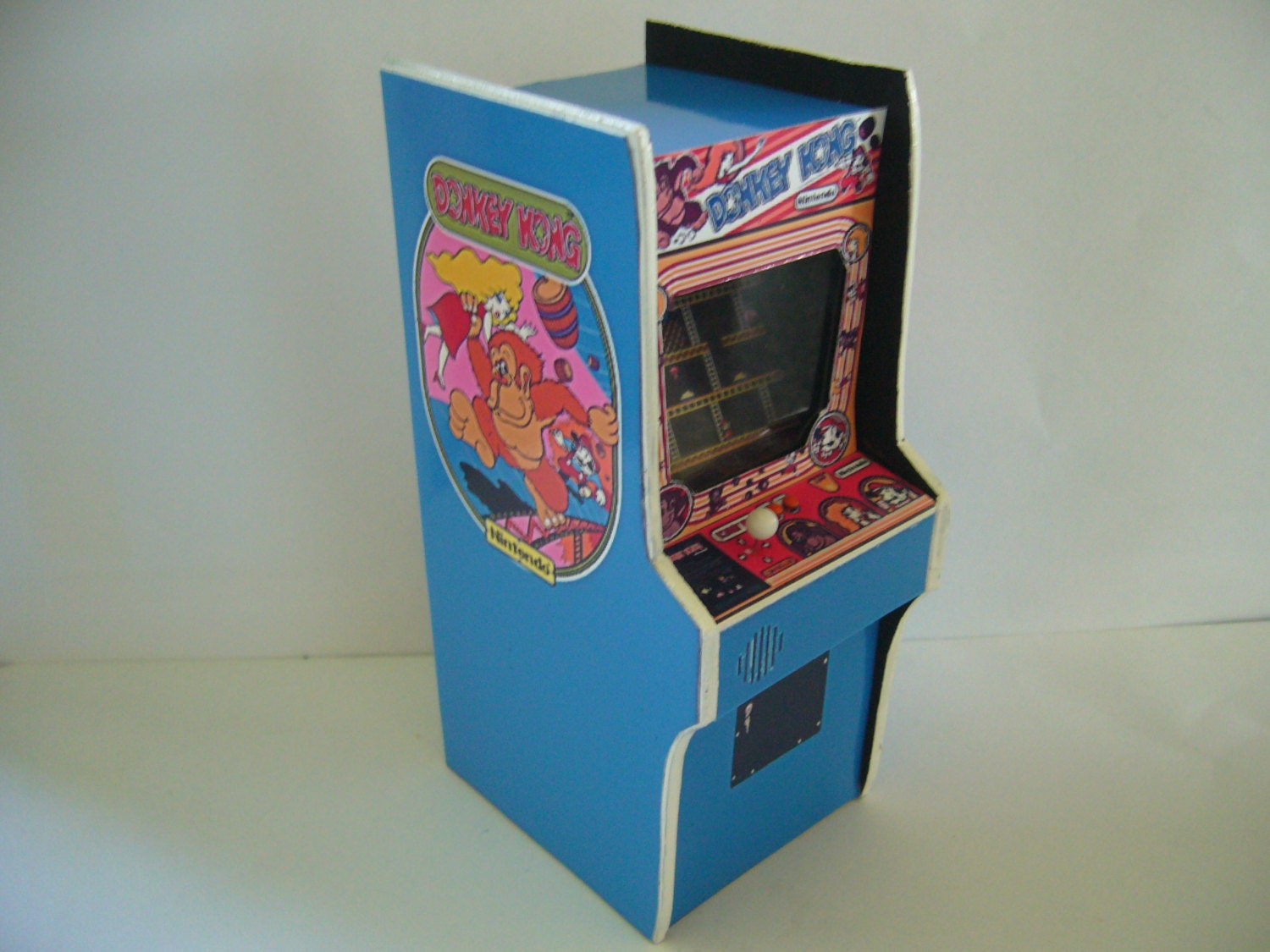 Donkey Kong 1 6th Scale Miniature Arcade Machine Model 12