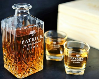 Groomsmen Gift Personalized Whiskey Decanter Glass Set Housewarming Gift Bestman Gift Father of Groom Gift