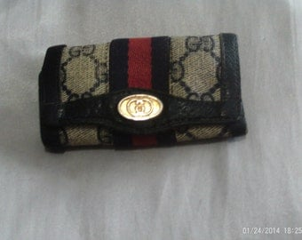 authentic vintage Gucci key holder!!!