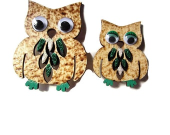 Wood burned Mr. & Mrs. Owl Magnet Set - Owl Art - Owl painting- Green and White Owls- MSU Owl Gift - Owl Home Decor - Pyrography - Green