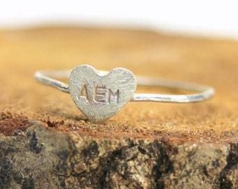 Coeur en argent sterling bague initiale famille maman, bijoux faits main Silverring 2 ou 3 initiales veine, Saint Valentin, amour, demoiselle d'honneur