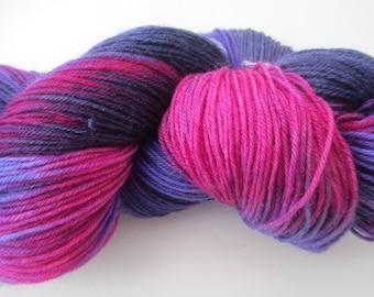 sock yarn, purples and fuchsia, wool sock yarn, hand dyed