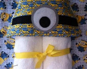 minnions hodded towel