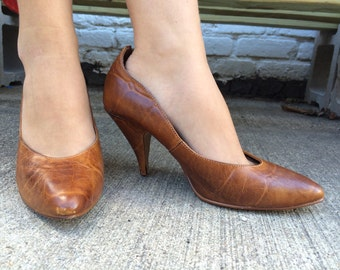 Predictions Leather Pumps. Size 8.