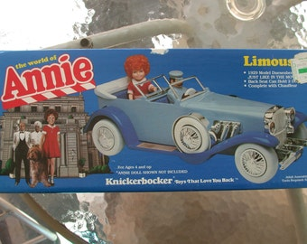 Limousine from the movie ANNIE mint