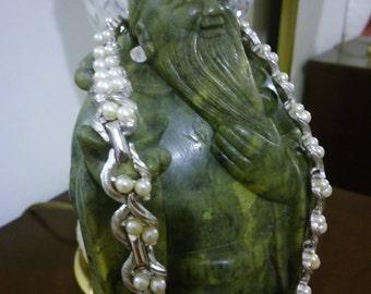 vintage trifari faux pearl necklace