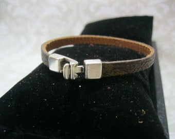 LOUIS VUITTON 100% Authentic Monogram canvas upcycled/repurposed Bracelet! The skinny
