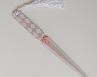 Handpainted wooden letter opener with cat silhouette in pink, white and beige. GIFT IDEA