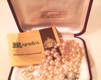 MAJORICA Pearl Necklace with with Original NUMBERED CERTIFICATE