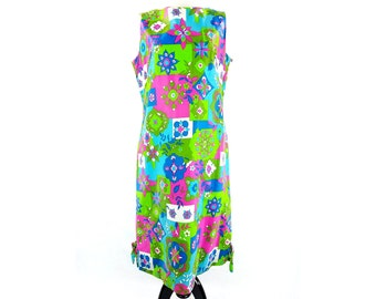 Vintage 60s 70s Floral Multi Colored Mod Sleeveless Shift Swinger Dress