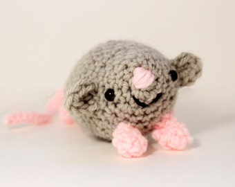 amigurumi stuffed mouse