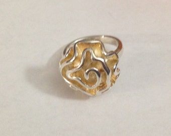 Heavy beautiful sterling silver flower ring size 8.25