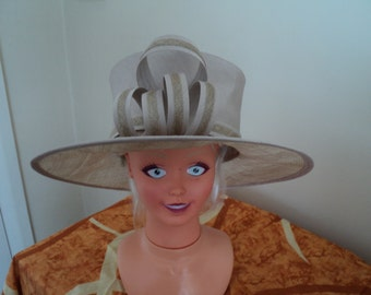 ladies hat for WEDDINGS/SPECIAL OCCASIONS one size free postage and packaging to uk
