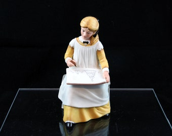 Vintage Franklin Porcelain LITTLE WOMEN'S Amy by Tasha Tudor dated 1982
