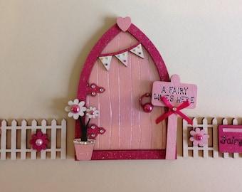 Magical Fairy Door with Fencing Set