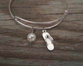 Flip Flop Bangle Bracelet - Beach Gift - Sea Gift - Ocean Gift - Sandal Charm - Bead