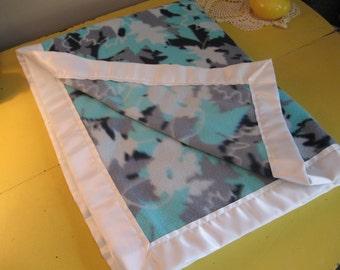 Soft Fleece Blanket - Leaf Camo
