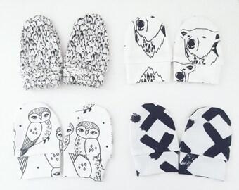 Monochrom organic mittens, baby mittens, mittens