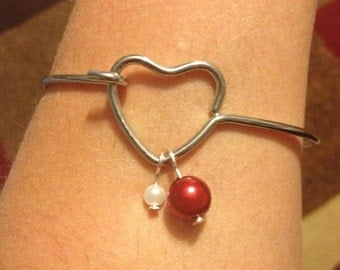 Valentines heart wire hooked bracelet