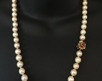 Vintage 1960's 14ct Gold and Garnet Clasp Genuine 8mm South Sea Pearl 22in Necklace With Box