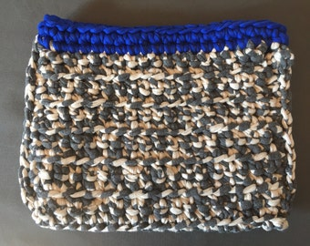 Crochet clutch grey white blue