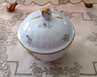 Dresden German Porcelain Sugar Bowl Lidded Bowl Floral with Gold Trim Victorian 19th c Lorenz Nutschen Reuther J-R Saxony 8881 Trademarked