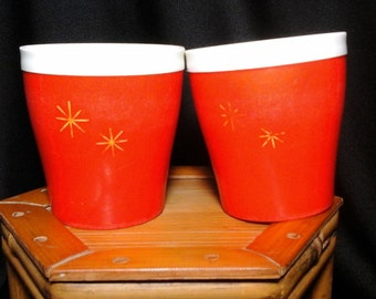Two Gits Cups, Bright Orange Starburst Plastic Insulated Drinking Glasses