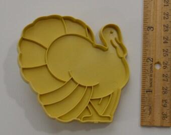 "Vintage STANLEY HOME PRODUCTS Turkey Cookie Cutter | 1969 3.25"" Beige"