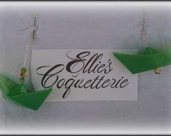 paper boat earrings, green,asymmetrical,origami boat earrings