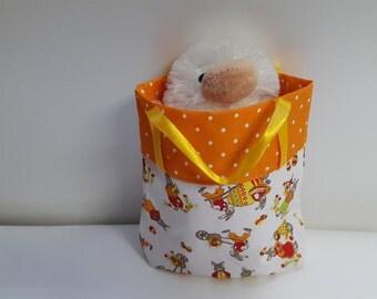 Easter basket, Pocket