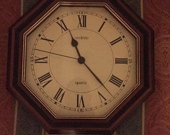 Hexagonal Clock, Functioning