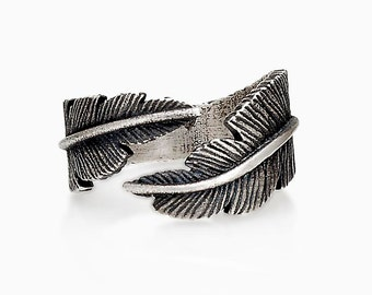 FAITH FEATHER RING