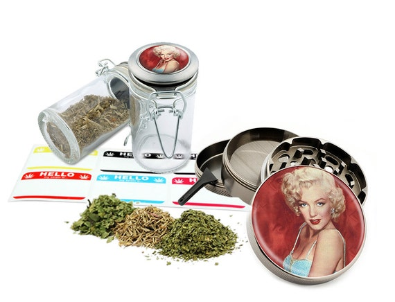 "Marilyn Monroe - 2.5"" Zinc Alloy Grinder & 75ml Locking Top Glass Jar Combo Gift Set Item # 50G012516-23"